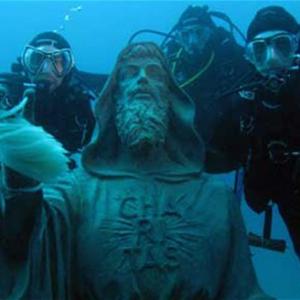 Статуя святого исчезла с глубины морского дна!