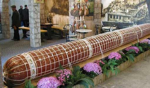 Колбасный рекорд длиной в 45 километров