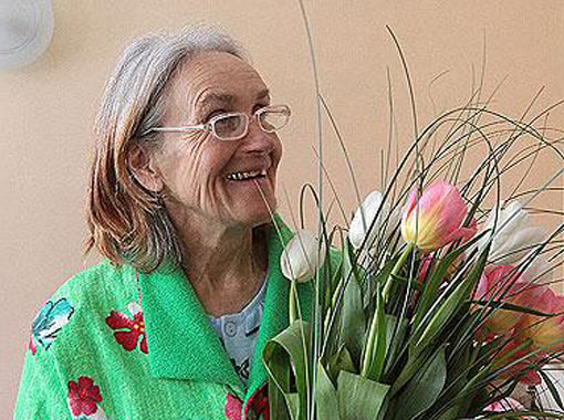 65 летняя роженица из Украины мечтает найти папу своей малышке