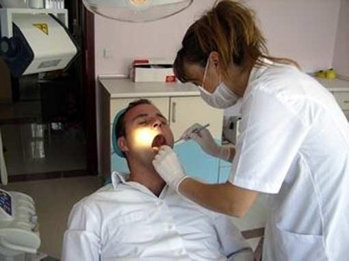 Женщина дантист профессионально отомстила за разбитое сердце