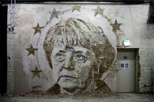 Алешандре Фарту рисует картины, разрушая облицовку зданий