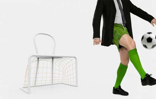 Итальянский дизайнер представил чудо стул для футбольных фанатов