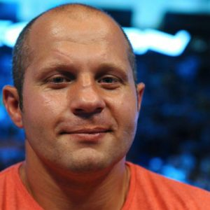 Фёдор Емельяненко ведёт переговоры с UFC и хочет биться с Вердумом
