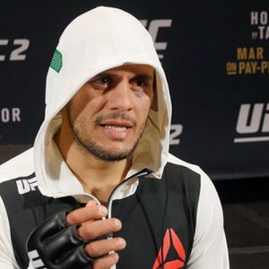 20 фактов о предварительных боях UFC 196