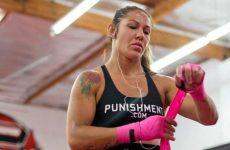 Промоушен планирует выступление Кристианы Жустино на UFC 198