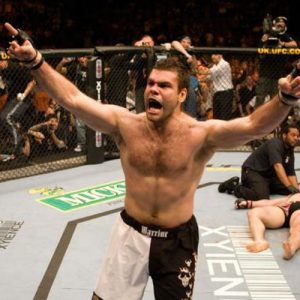 10 фактов об участниках соглавного боя UFC Fight Night 86