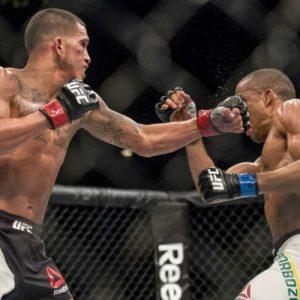 10 фактов об участниках главного карда UFC 197