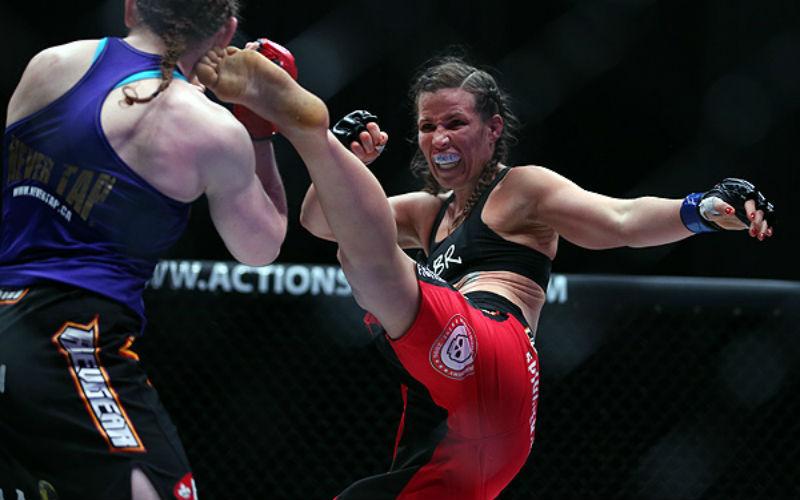Бой Кристиана Киборг Жустино — Лесли Смит: смотреть онлайн видео трансляцию UFC 198 сегодня