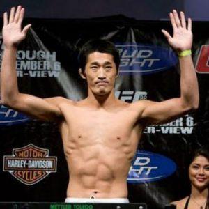 Дон Хьюн Ким выбыл с боя против Нила Магни на UFC 202
