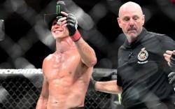 Бой Дональд Серроне vs. Келвин Гастелум на UFC 205