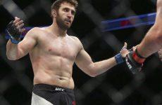 Руслан Магомедов снялся с карда UFC 204