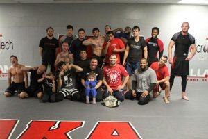 Групповое фото членов American Kickboxing Academy