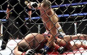 Третье место: нокаут Джуниора Дос Сантоса в бою с Кейном Веласкесом