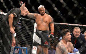 ТОП-5 тяжёлых ударников: кто лучший нокаутёр в UFC сегодня?