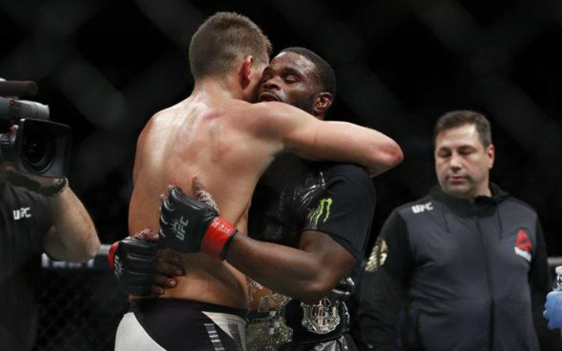 Реванш Тайрон Вудли vs. Стивен Томпсон — 4 марта на UFC 209