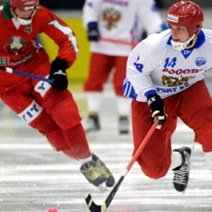 Беларусь — Россия хоккей с мячом: смотреть онлайн видео трансляцию 1/4 чемпионата мира по бенди сегодня, 2 февраля 2017
