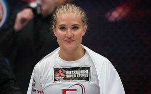 Бой Анастасия Янькова vs. Элина Каллиониду — 8 апреля на Bellator 176