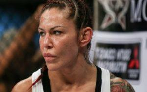 Кристиана Жустино — Тоня Эвинджер 29.07.2017: прогноз на бой UFC 214