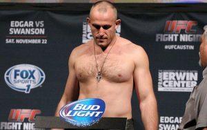Алексей Олейник — Трэвис Браун 8.07.2017: прогноз на бой UFC 213