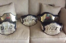 МакГрегор выйдет в ринг с четырьмя чемпионскими поясами