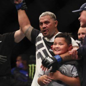 Хант покинул кард UFC Fight Night 121, Тыбура встретится с Вердумом
