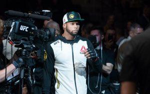 Бой Михал Матерла vs. Тиаго Сантос — центральное событие UFC Fight Night 118