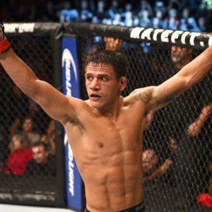 Рафаэль Дос Аньос — Нил Магни 9.09.2017: прогноз на бой UFC 215