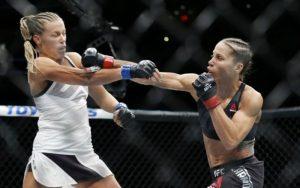 Реванш Кармуш vs. Дэвис и ещё два боя добавлены в кард UFC Fight Night 123