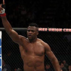 Франсис Нганну до сих пор переживает по поводу снятия с карда UFC 215