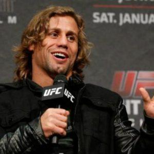 Соперником Конора МакГрегора на UFC 196 мог стать Юрайя Фабер