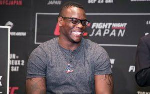Бой Овинс Сент-Прю vs. Илир Латифи добавлен в кард UFC on FOX 27