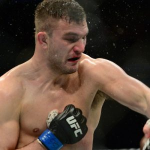 Бой Джиан Вилланте vs. Франсимар Барросо пополнил кард UFC 220