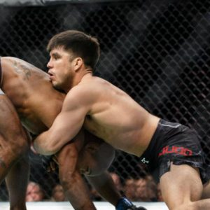 Генри Сехудо — Серхио Петтис 2.12.2017: прогноз на бой UFC 218