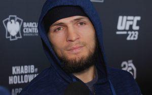 Бой Хабиб Нурмагомедов — Аль Яквинта: смотреть онлайн видео трансляцию UFC 223 сегодня 8.04.2018