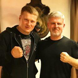 Рябинский призвал фанатов поддержать Поветкина в бою с Джошуа