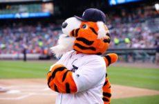 Прямая трансляция бейсбольного поединка Детройт Тайгерс — Канзас Сити Роялс. МЛБ.