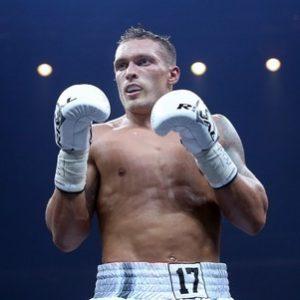 Александр Усик является большим фаворитом боя с Тони Беллью