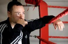Тренер Бетербиева хочет объединительный бой сразу после победы над Джонсоном