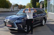 У Александра Усика появилась новая машина