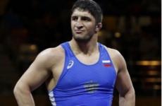 Хабиб Нурмагомедов поздравил Абдулрашида Садулаева с уверенной победой на чемпионате мира по борьбе