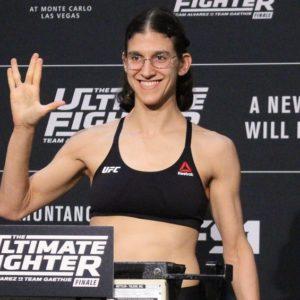 Видео боя Роксана Модаффери — Сиджара Юбэнкс UFC 230