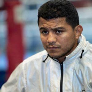 Роман Гонсалес снялся с боя против Педро Гевары