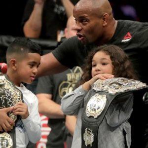 Даниэль Кормье: «Поединок с Леснаром на UFC 235 может стать моим последним выступлением в карьере»