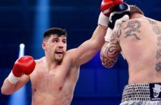 Артур Манн победил Алексея Зубова, трижды отправив его в нокдаун