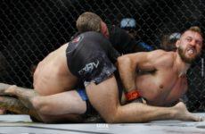 Дональд Серроне досрочно победил Майка Перри на UFC Fight Night 139