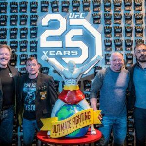 Бойцы поздравляют организацию UFC с 25-летием