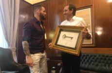 Сантьяго Понзиниббио вручили ключ от родного города