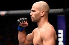 Артем Лобов продолжает настаивать на поединке с Ренато Мойкано на UFC 231