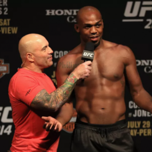 Джон Джонс намерен извиниться перед фанатами за перенос турнира UFC 232