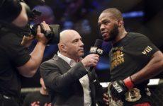 Джо Роган считает, что перенос UFC 232 произошел из-за тупости комиссии штата Невада